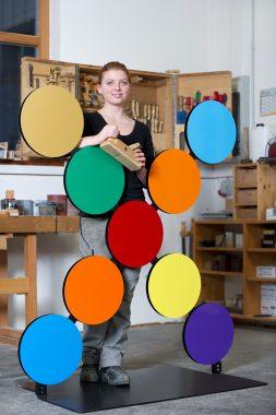 Lorain Böker, Auszubildende im Tischlerhandwerk, Tischlerei Fuhrmann